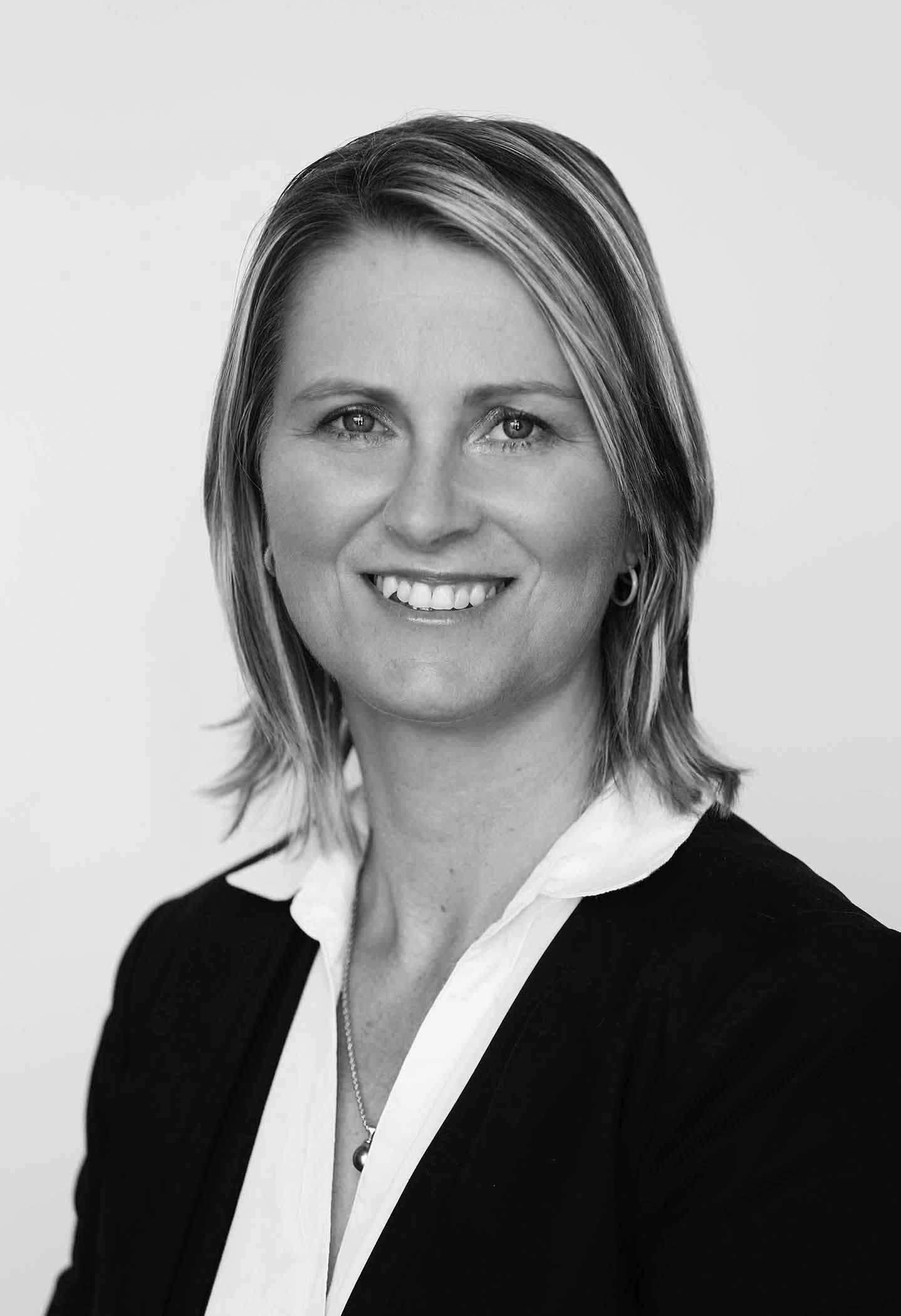 Kelly Mccullough Our People Dg Law Limited